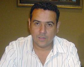 El director del INMUDE, Julio Paz, dice que todavía están a tiempo para llegar a un acuerdo.