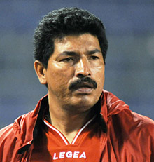 Carlos Martínez después de hacer una excelente campaña con el Vida, se le dio continuidad.