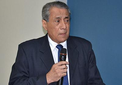 El presidente del COH, Salvador Jiménez, presentó el informe de los planes y proyectos.