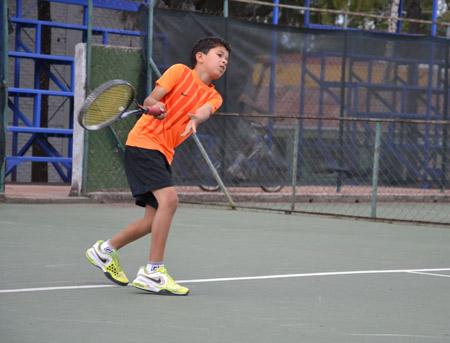 El tenis ha servido como vía de supervivencia y de recreación a Jackson Andino.