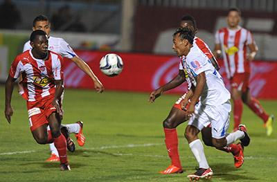 Un histórico partido en La Ceiba, el último lo ganaron los ceibeños en casa, curiosamente a Héctor Vargas no le va bien contra los rojos.