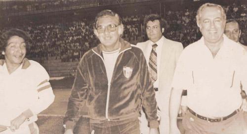 """Para el """"Azulejo"""" Bulnes hay que hacerle una estatua a don Pedro Atala por sus portes al fútbol hondureño y al país."""