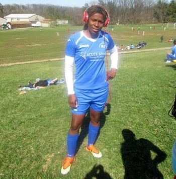 La excampeona de vallas, ahora juega fútbol en Estados Unidos.