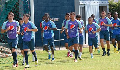 Los azules entrenaron ayer por la mañana antes de marcharse a San Pedro Sula.