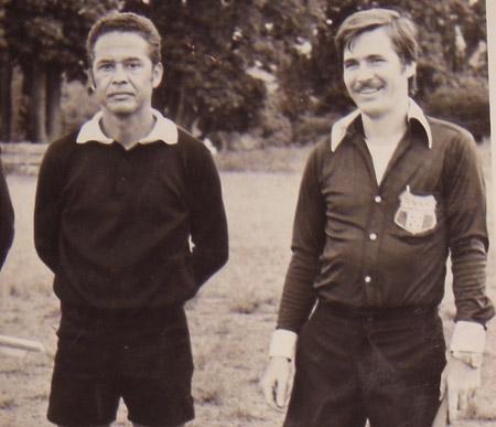 En la gráfica aparece con el exárbitro Francis Muñoz.
