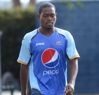 Víctor Ortiz se mostró molesto por su poca participación con los azules.