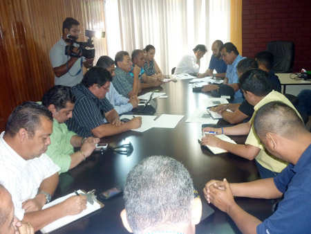 La dirigencia del Marathón se reunió ayer con miembros de la Policía Nacional para planificar lo referente a la seguridad en el partido de final.