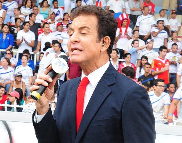 Salvador Nasralla, de los pocos periodistas que ha estado en los dos mundiales que Honduras ha disputado, viene el tercero.