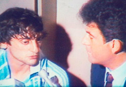 El príncipe Enzo Francescoli entrevistado por Salvador Nasralla.