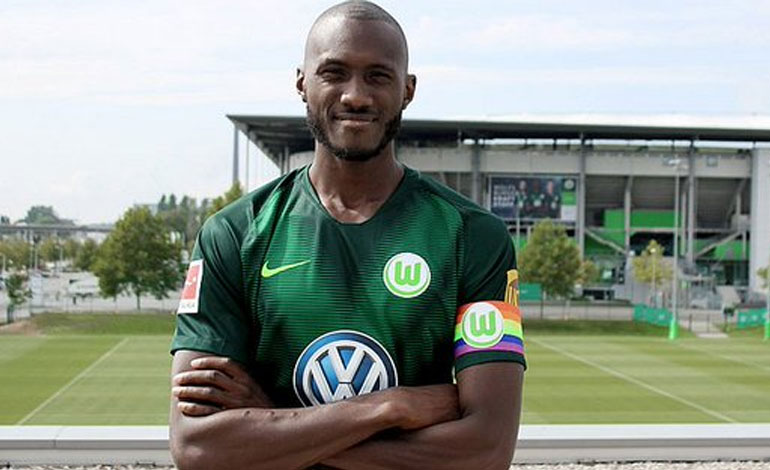 El capitán del Wolfsburgo luce brazalete arco iris contra la homofobia e51b081ad7f52
